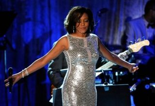 201202121444-1_whitney-houston-48-overleden